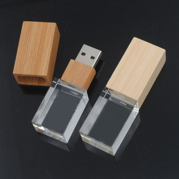 Bamboo and crystal USB stick